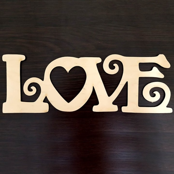 Слово Love из дерева №2
